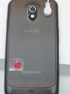 Galaxy Nexus 背面