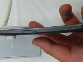 Galaxy Nexus 左側面